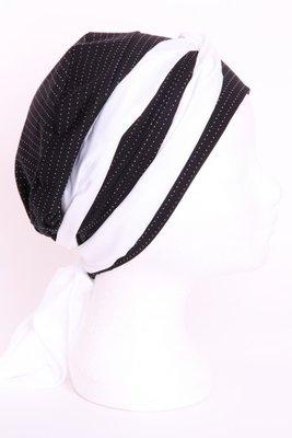 SMP36 Zwart met klein v'tjes Sjaaltje wit